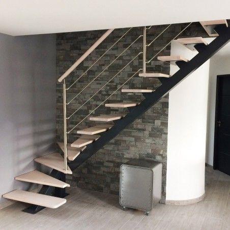 Escalier A Poutre Centrale Metal Et Marches En Bois Modele Boston Poteaux Acier Avec Images Marches En Bois Escalier Ronds En Bois