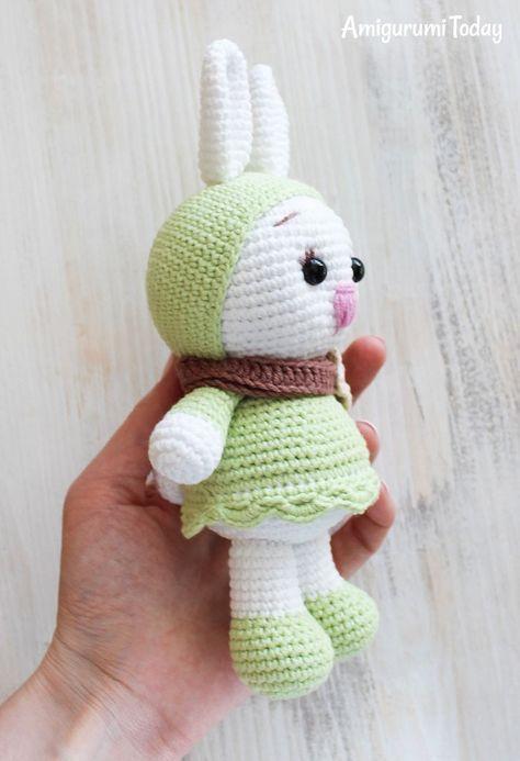 Free Bunny Doll crochet pattern - Amigurumi Today | 693x474