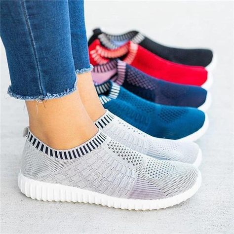 Upper Material:Flyknit Fabric Shoes Style:Slip-On Heel Height:Low (<3cm) Heel Type:Low Heel Occasion:Daily Toe Type:Round Toe Accents:Elastic Band Style:Casual Theme:All Season
