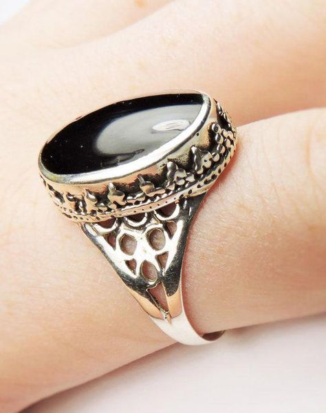Filigree ring has a reconstructed Black Onyx inlay stone. Silver fashion statement ring, great ring for everyday wear. Black Onyx in lay cab is mm Take a look at Kissingravens other stone rings,