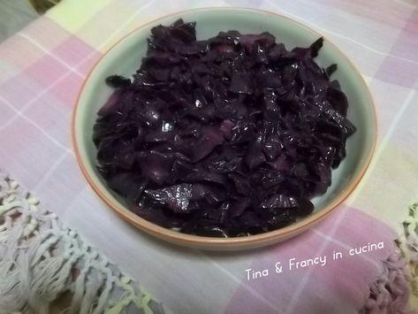 cavolo cappuccio rosso alla mia maniera: una verdura invernale che si adatta molto bene a ricette a base di carne di maiale, veloce e facile da cucinare.