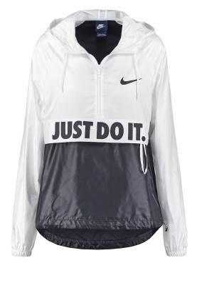 Nike Sportswear City Chaqueta Fina White White Black Black Las Chaquetas  Finas De Mujer Las chaquetas finas de mujer se imponen como protagonistas  de los ... efc5ca4957b10