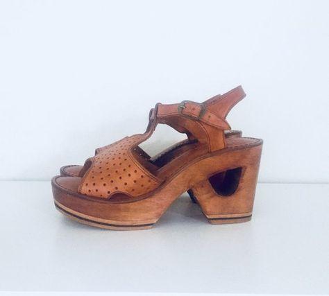 a0aff6835ef6 image 0. image 0. Voir. Voir. Informations complémentaires. 70s Platform  Clog Sandals Wood Wedge Sandals Cut Out Heels Braided Leather Sandals Size  ...