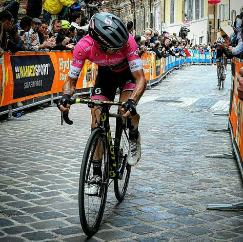 Bicycle Race By Joanna Cooksey On World Of Cycling In 2020 Cycling Photos Cycling Bikes