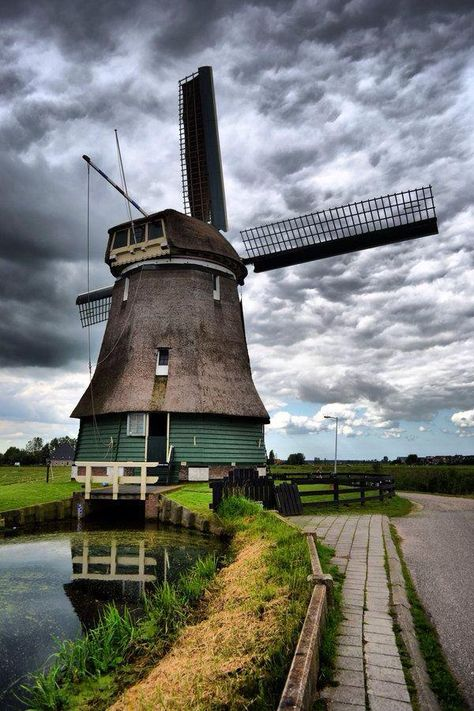 أخبار الوطن On Twitter Windmill Dutch Windmills Netherlands Travel