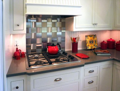 backsplash/ stove surround  cute for small kitchen