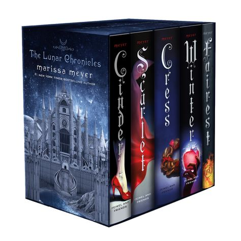 Ah! It's going to be so pretty! The Lunar Chronicles Boxed Set by Marissa Meyer