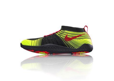 huge discount 05815 3aaa0 W-Nike-Air-Zoom-Pegasus-32-MGR-Heel.