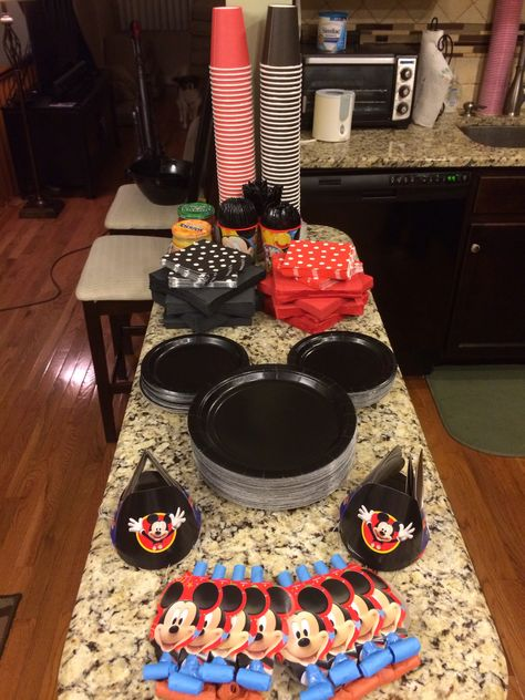 Birthday Party Simple Decorations Mickey Mouse 45 Ideas