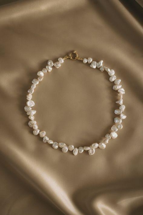 Dainty Jewelry, Cute Jewelry, Pearl Jewelry, Beaded Jewelry, Jewelery, Jewelry Accessories, Jewelry Necklaces, Beaded Necklace, Pearl Necklaces
