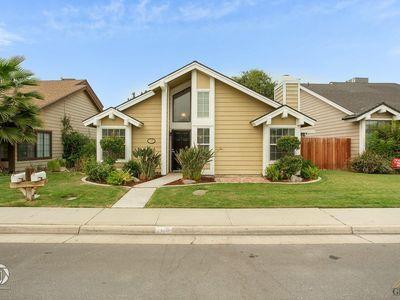 7106 Hanover Cir Bakersfield Ca 93309 Mls 202009508 Zillow Bakersfield Zillow Open Concept Living Room