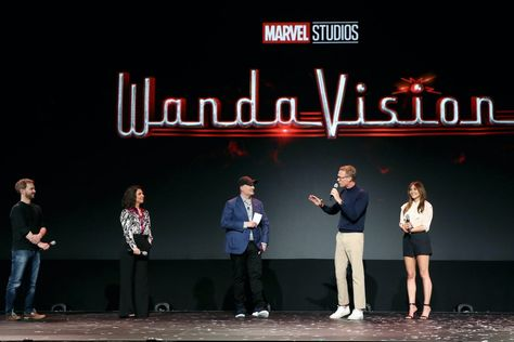 Wandavision Should Vision Come Back To Life Fans Can T Seem To Agree In 2020 Marvel Show Marvel Cinematic Marvel Cinematic Universe
