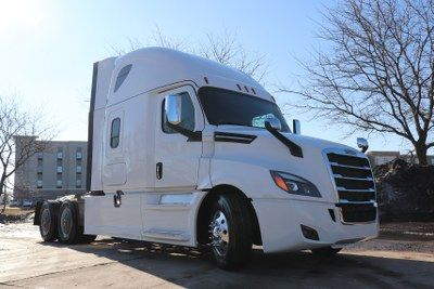 Inventory Lone Mountain Truck Leasing Semi Trucks For Sale Freightliner Cascadia Freightliner Trucks
