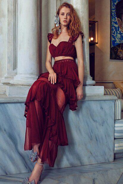 Ella Bordo Puantiye Tul Detayli Etek Tdpss19de0026 Raisa Vanessa Trendyol Mezunlar Gecesi Elbiseleri Tul Etek Parti Elbisesi