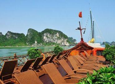 http://www.viaggivietnamcambogia.com/crociera-halong/bai-tho-giunca-crociera-nella-baia-di-ha-long.html