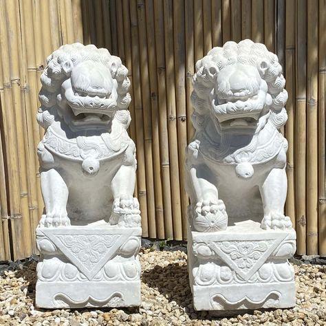 Pin Von Asienlifestyle Auf Wachterlowen Asiatische Steinlowen Und Fu Dogs In 2020 Buddha Kunst Buddha Statuen Buddha Figur