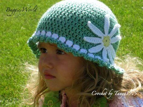 Boutique Crochet hat w/daisy green