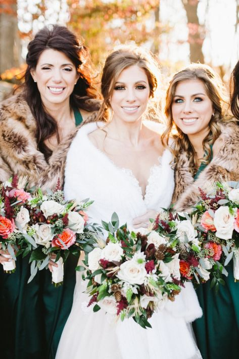 The girls all bundled up for this fall wedding at Rock Island Lake Club | Photo: Sanford Creative