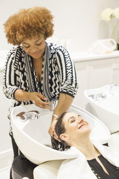 Pin for Later: 14 Raisons Pour Lesquelles Vous Pourriez Perdre Vos Cheveux L'encrassement des Follicules Pileux