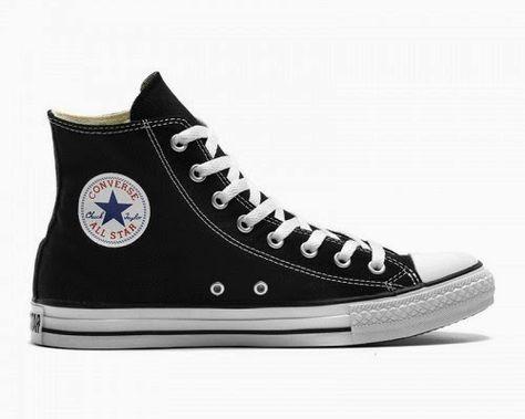 Ghim trên giày converse