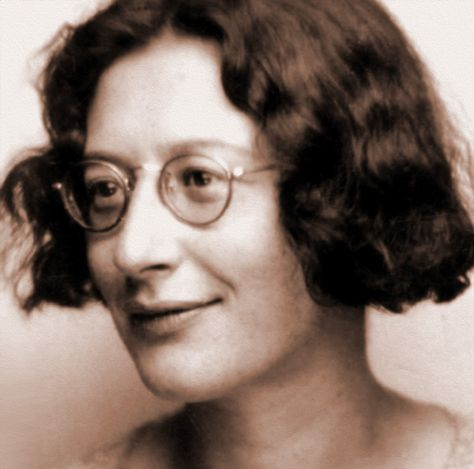 Top quotes by Simone Weil-https://s-media-cache-ak0.pinimg.com/474x/d7/07/b8/d707b8c1edad19d0ed6297a67eeb16a3.jpg