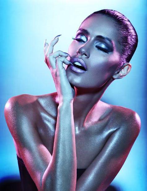 More here... ... https://www.youtube.com/watch?v=VPvJ3EuMGCA #makeup #makeupbrushes #real techniques
