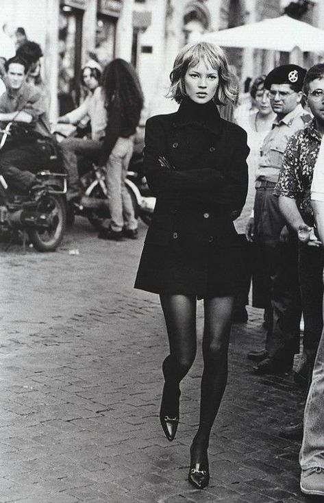 """insanity-and-vanity: """" Kate Moss by Peter Lindbergh for Harper's Bazaar, September 1994 """" Oufits Casual, Smart Casual Outfit, Moss Fashion, Fashion Mode, Style Fashion, Look Rock, Peter Lindbergh, Style Beatnik, Estilo Kate Moss"""