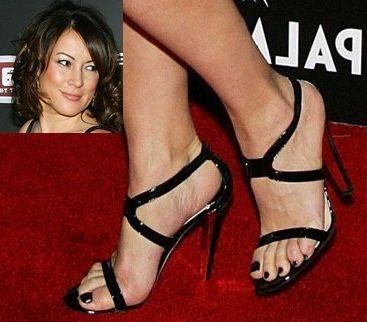 Feet jennifer tilly topless