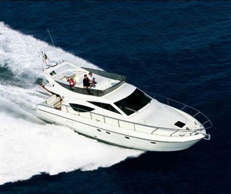 Ferretti 460 fly. http://yacht4web.com/Ferretti/460+fly/3518/brochure?K=pin #Ferretti #Ferrettiyachts #Ferretti460fly