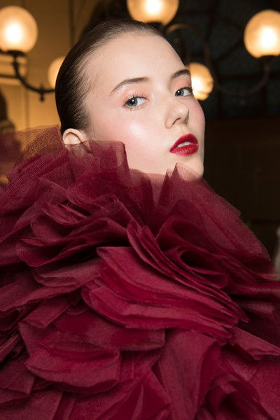 Tony Ward Couture, Fall 2017 - Inspiring Hair and Makeup Looks From Paris Couture Week - Photos