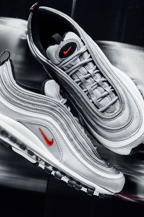 "Nike Air Max '97 ""Silver Bullet</p>                     </div> 		  <!--bof Product URL --> 										<!--eof Product URL --> 					<!--bof Quantity Discounts table --> 											<!--eof Quantity Discounts table --> 				</div> 				                       			</dd> 						<dt class="