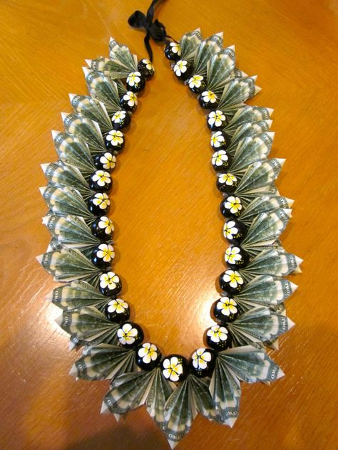 Oh WOW this KuKui Nut Money Lei by PCbyMarilyn on Etsy