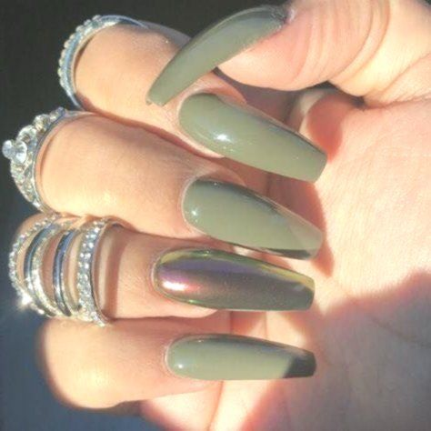 12 Fall Nails Ideas It Is Possible To Also Transfer The Newest Runway Trends To Your Nails After All Fall Acrylic Nails Cute Acrylic Nails Green Nail Designs
