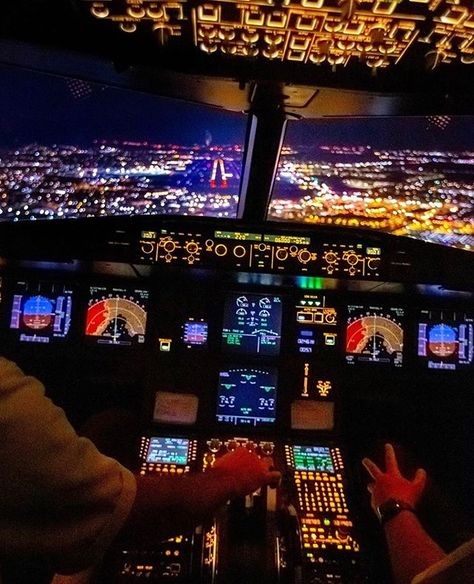Delta Airlines Airbus A320 Cockpit View During Landing At Palm