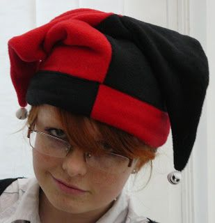 The Alchymyst s Study  Harley Quinn Fleece Jester Hat Tutorial ... ff80656cb92