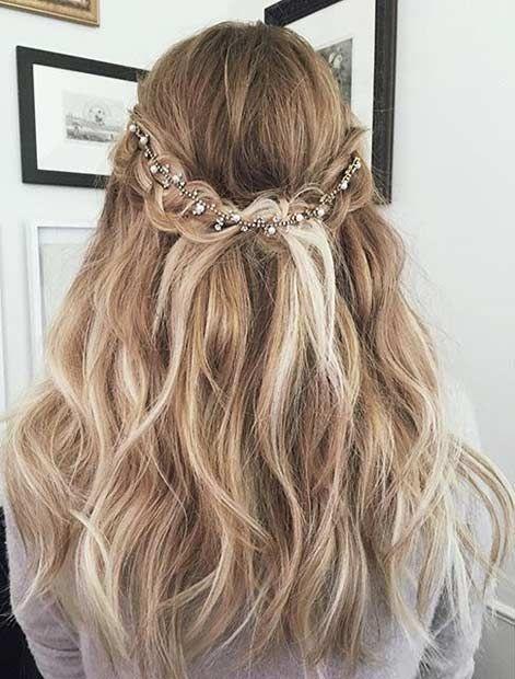 31 Peinados De Baile De Graduacion Half Up Half Down In 2020 Medium Length Hair Styles Shoulder Hair Prom Hairstyles For Long Hair