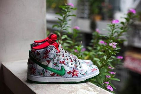"""new product 38c93 fc233 Concepts x Nike SB Dunk High Premium """"Ugly Christmas Sweater""""   First Look"""