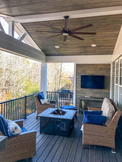 Covered Porch Photos - Charlotte Decks and Porches, LLC While early within notion, the pergola Screened Porch Designs, Backyard Patio Designs, Patio Ideas, Back Deck Ideas, Backyard Porch Ideas, Screened Porch Decorating, Screened Porches, Backyard Pergola, Pergola Ideas