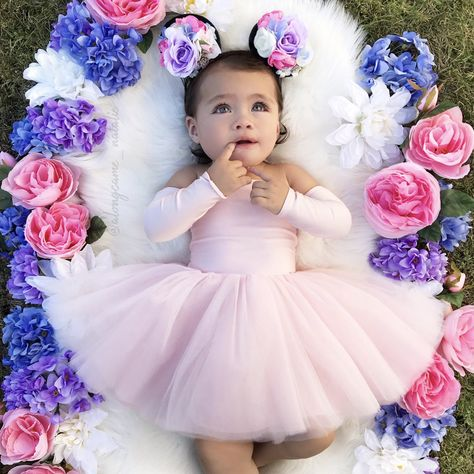 Girls Tutu Dresses, Tutus For Girls, Flower Girl Dresses, Pink Dress, 6 Month Baby Picture Ideas, Baby Girl Photography, Cake Smash Outfit, Baby Pictures, Baby Girl Photos