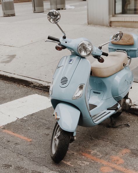 One day I would love to own a Vespa. Isn't this pale blue one a beauty? Worth … One day I would love to own a Vespa. Isn't this pale blue one a beauty? Worth having that cab toot its horn at me really loudly so I could get the shot! New York , NYC Light Blue Aesthetic, Blue Aesthetic Pastel, Aesthetic Vintage, Blue Aesthetic Tumblr, Scooter Vintage, Vintage Cars, Retro Vintage, Retro Scooter, Vintage Dance