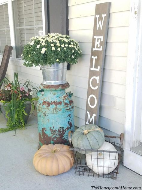 Front Porch Ideas for Fall Outdoor fall decorations, fall porch ideas, outdoor halloween decorations vintage milk can, white pumpkins, small front porch Fall Home Decor, Autumn Home, Fall Decor Outdoor, Blue Fall Decor, Farmhouse Outdoor Decor, Autumn Garden, Rustic Farmhouse, Outdoor Ideas, Farmhouse Style