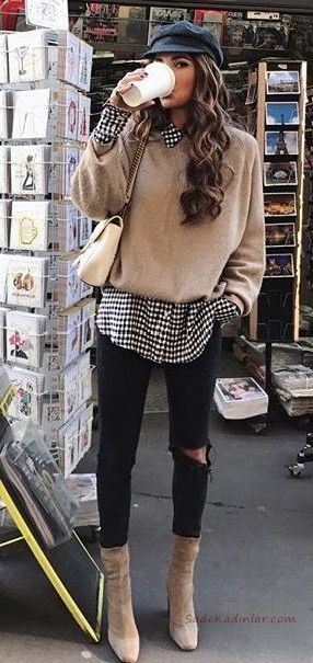 2020 Bayan Gomlek Kazak Kombinleri Siyah Skinny Pantolon Beyaz Desenli Gomlek Vizon Kazak Vizon Nubuk Topuklu Bot Moda Kombinleri Tarz Moda Skinny