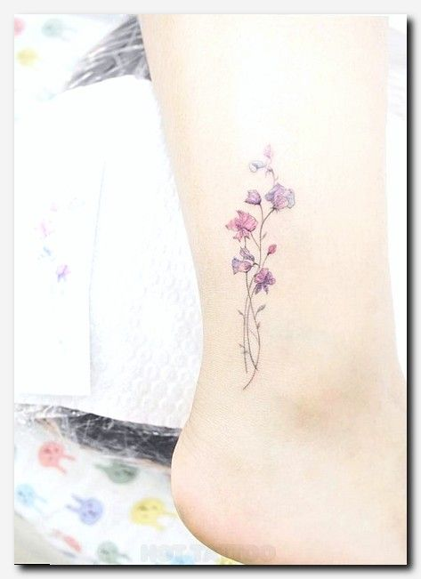 20 Small Simple Tattoo Ideas That Are Absolutely Stunning Hot Tattoo Cute Tattoos For Women Tattoos Tiny Tattoos