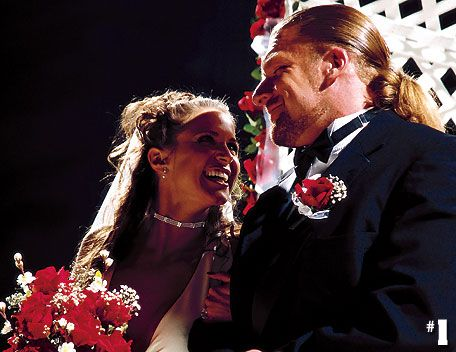 Stephanie Mcmahon Triple H Renew Their Wedding Vows On Raw Back In 2002 And The Wwe Pinterest