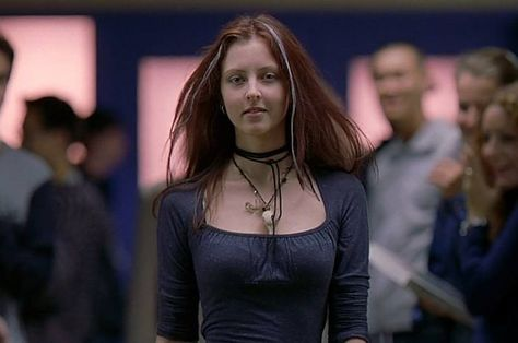 The hottest horror movie villains ever according to science - Ginger Fitzgerald (Katharine Isabelle) — Ginger Snaps Best Horror Movies, Good Movies, Horror Films, Scary Movies, Ginger Snaps Movie, Chicas Punk Rock, Katharine Isabelle, Optical Illusion Tattoo, 90s Fashion