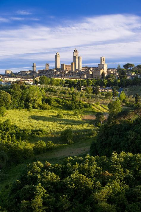 San Gimignano - #Italy  Amy this is the walled city we visited!