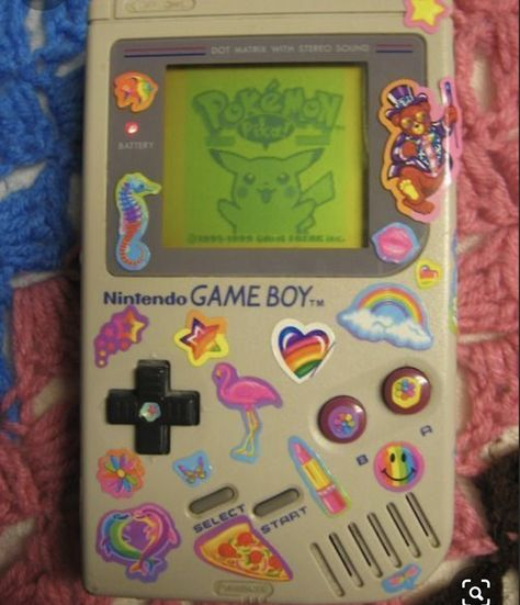 a classic gameboy AND lisa frank stickers. I may just burst with happiness Aesthetic Indie, Aesthetic Vintage, Retro 4, Lila Baby, Different Aesthetics, Lisa Frank, Indie Kids, 90s Nostalgia, Photo Wall Collage