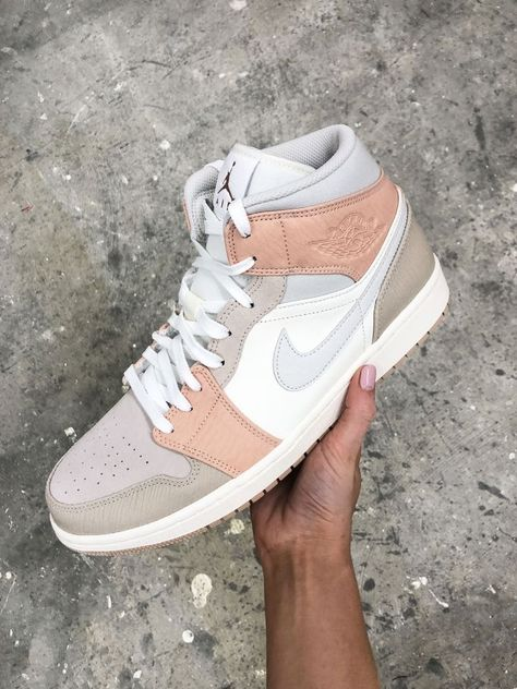 In hand of the Jordan 1 Milan shoes sneakers Jordan Shoes Girls, Girls Shoes, Nike Jordan Shoes, Cool Shoes For Girls, Shoes For Women, Michael Jordan Shoes, Cute Sneakers, Shoes Sneakers, Air Force Sneakers
