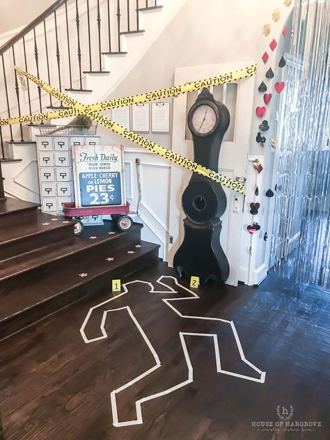 Dekoration coolest Details Murder Mystery Party WineMurder Mystery Party: All the Details and the Coolest Wine EVER! Mystery Dinner Party, Murder Mystery Parties, Detective Party, Clue Party, Halloween Parejas, Adult Party Themes, Halloween Party, Party Games, Teen Birthday
