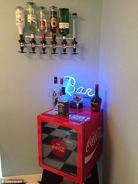 Uk S Best Games Rooms Compete To Become Man Cave Of The Year Mancavegarage Uk S Best Games Rooms Co Retro Games Room Game Room Ideas Man Caves Game Room Decor